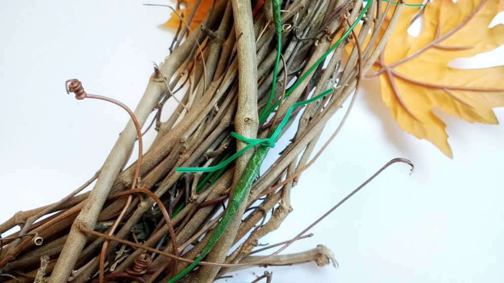 Securing Floral Wire to Wreath