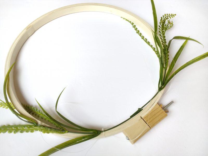 diy simple summer wreath for your front door